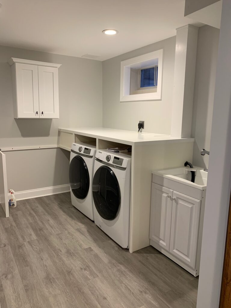 Custom Closets/Laundry Rooms